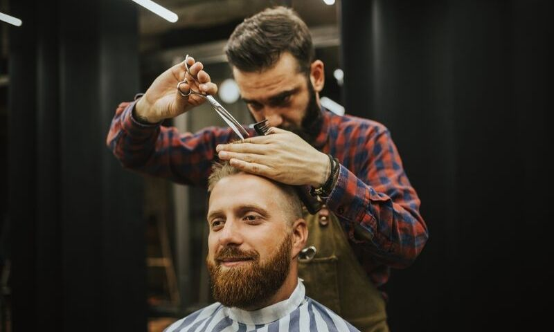 How Much Can A Barber Earn?